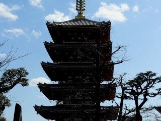 Пагода - это буддийское сооружение культового характера