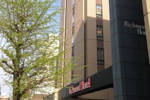 Modern architecture and decor and Japanese comfort at Richmond Hotel