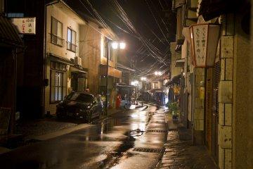 <p>Одиночная улица Юноцу</p>