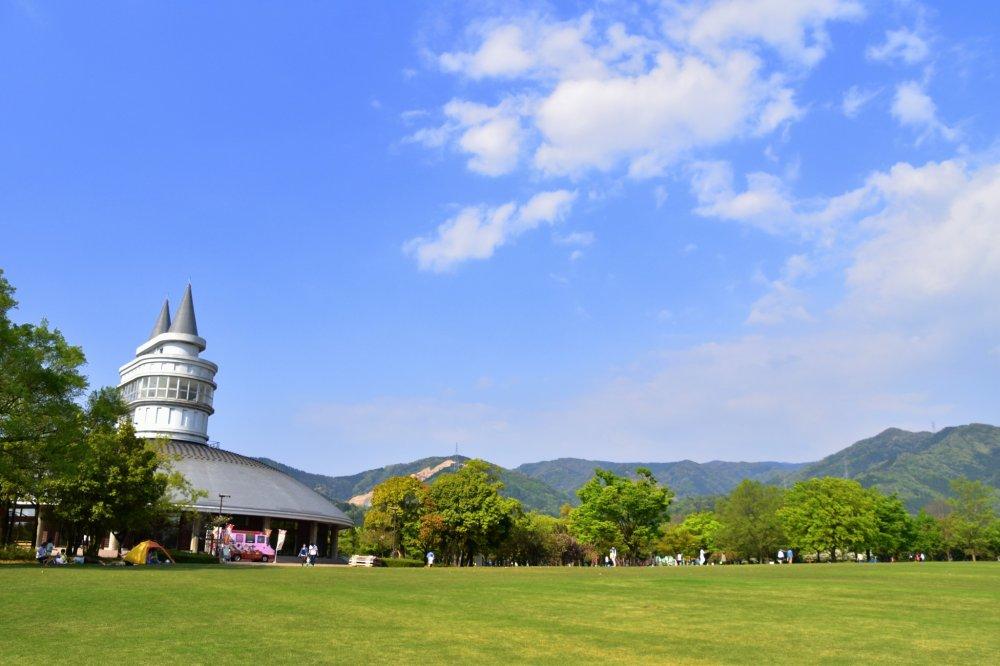 후쿠이 그린 센터 이곳은 '우드림'과 전시관, 다양한 놀이시설을 갖춘 야외공간이 있는 그린 파크 지역이다