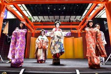 مهرجان أيدو في مطار هانيدا - طوكيو