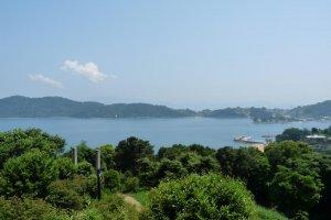 Pemandangan pantai di kota Ushimado