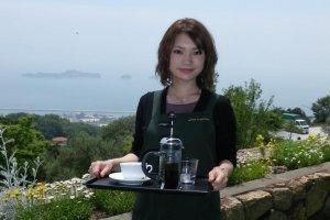 Ada yang mau kopi? kunjungilah kafe di Olive Garden.