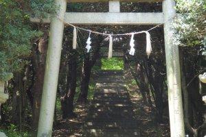 Cổng vào Đền Ushimado