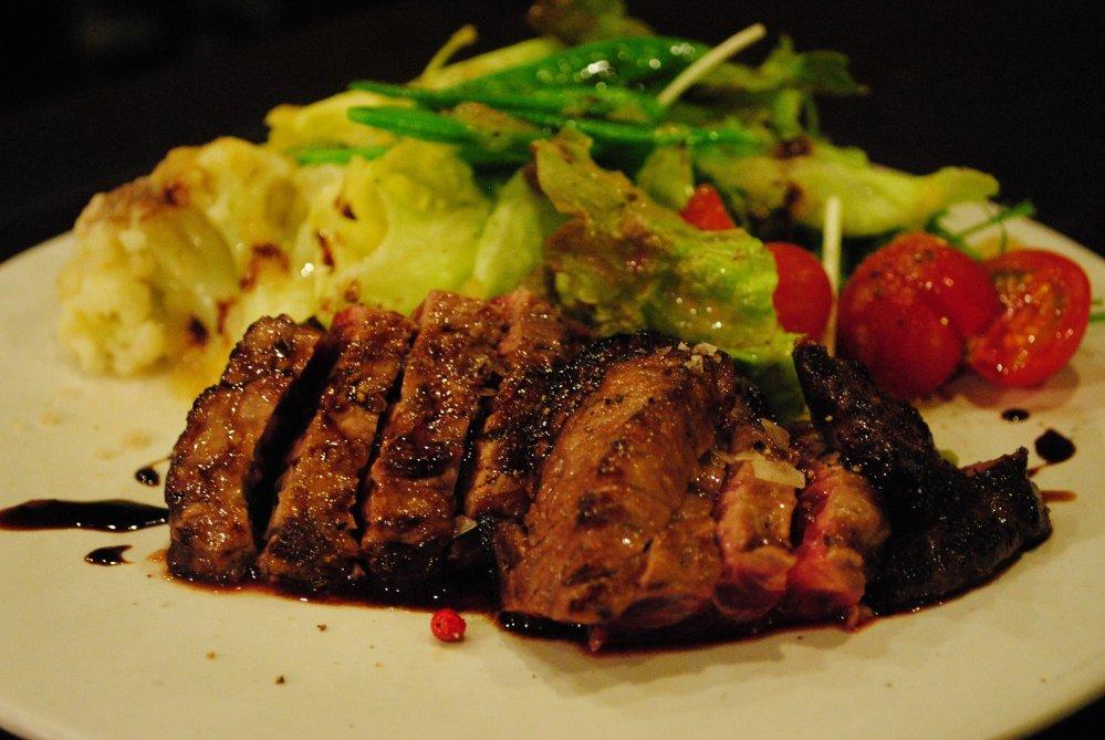 マグロのほほ肉のグリル