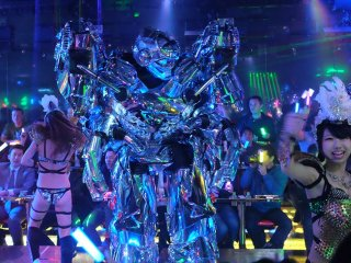 Robots and dancing girls. Could there be a better combination?