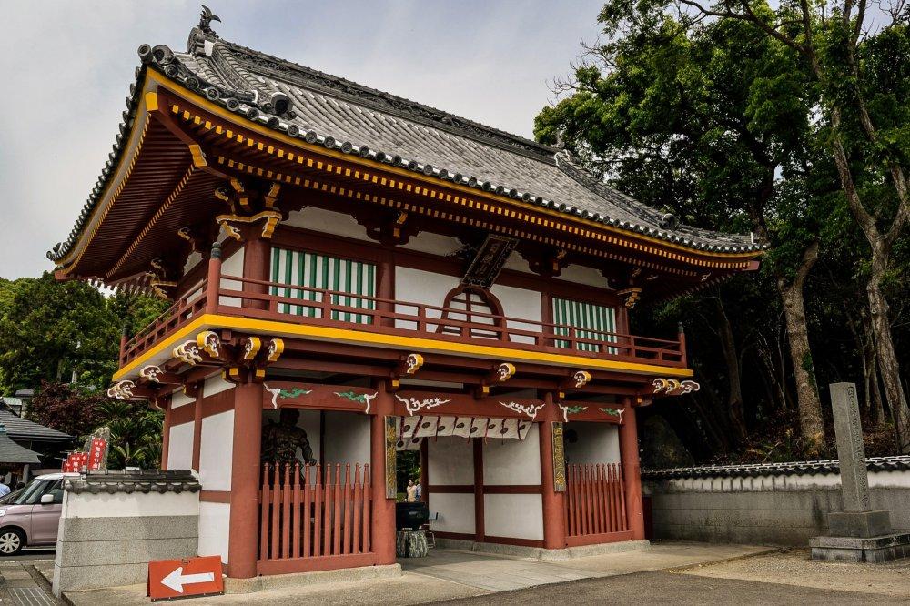 Portão de entradado Gokurakuji (Niou-mon)