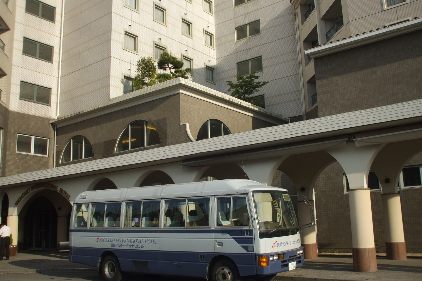 The free shuttle bus that makes stops at Nagasaki Airport 8 minutes away, or Omura Station 5 minutes away.