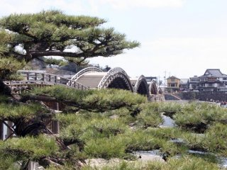 The bridge has five very distinct arches that have become a symbol of West Japan