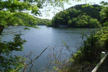 ทะเลสาบ Gassan และ Saikachi