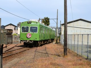 """Another type of """"Choshi Dentetsu"""" train in a cabbage color. This is a newer version"""