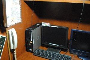 Computer and TV set-up at Popeye