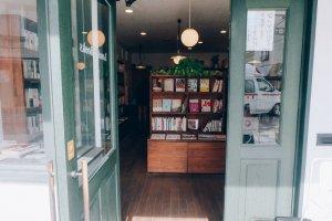 The green door welcomes all the bookworms who seek for hidden treasures