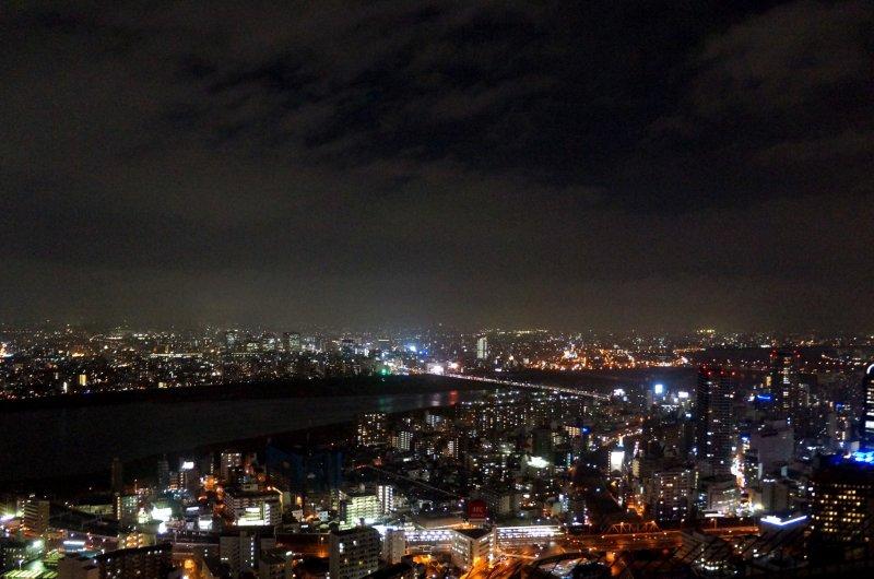 <p>우메다 스카이 빌딩에서 바라본 야경</p>