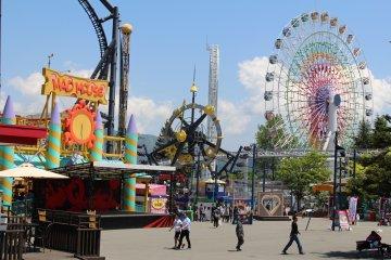 Le parc d'attractions Fuji-Q
