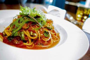 Pontoiru: Japanese-Italian Cuisine