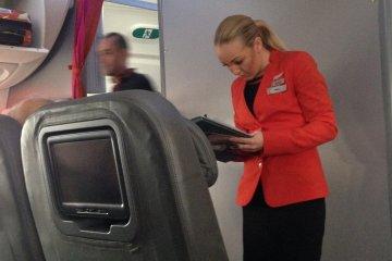 Dedicated Business class cabin crew onJetstar's Boeing 787 Dreamliner Service