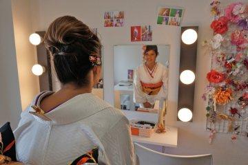 <p>Послений взгляд в зеркало, прежде чем начать фотосессию! &nbsp;</p>