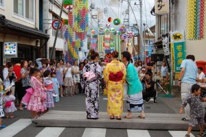 The yukata contest draws many contenders and onlookers.