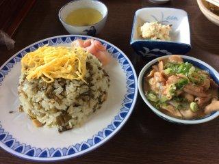 Their famous takana meshi and horumon (intestine) stew