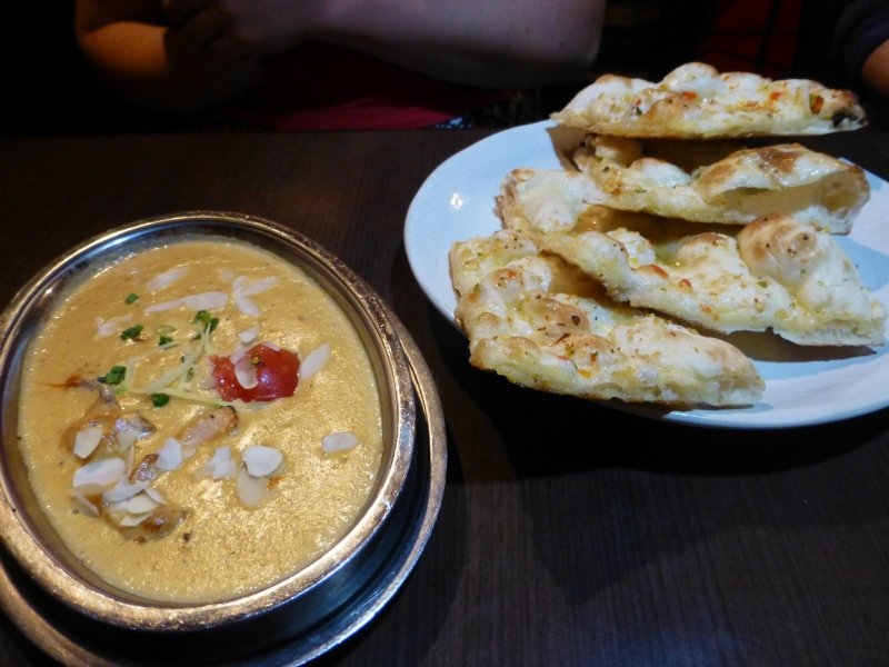 Coconut chicken curry and garlic naan