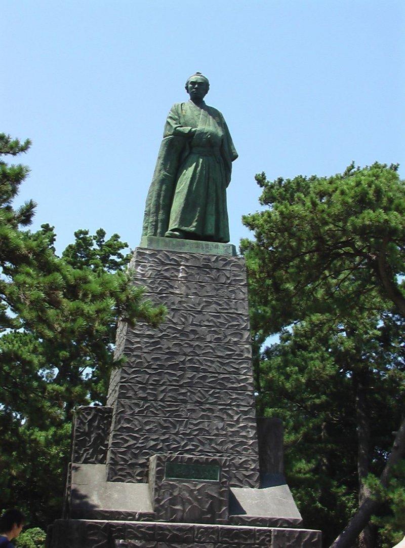 카츠라하마의 사카모토 료마 동상