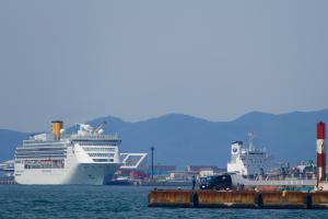 'Costa Victoria' cập bến tàu chỉ cách trung tâm thành phố 5 phút
