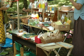 <p>Many of the vendors carry all-natural toxic-free organic products.&nbsp;</p>