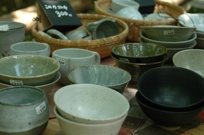 <p>Beautifully handcrafted tea cups and bowls.&nbsp;</p>