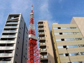La Tour est aujourd'hui témoin des différents bouleversements responsables de la mixité architecturale à Tokyo