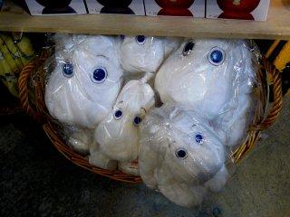 Еще не распакованные муми-тролии выглядят такими грустными!
