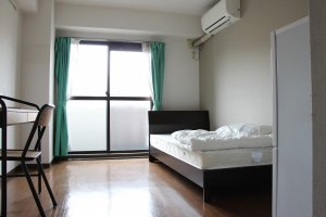 Toutes les chambres sont parfaitement bien équipées, calmes, et très bien entretenues. Elles sont également chacune dotée d'un balcon privatif.