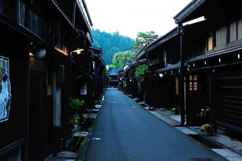 飛騨高山の古い町並み。