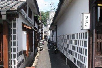 미관  지역의 전형적인 골목길