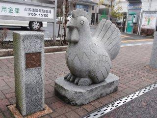 รูปแกะสลักหิน 12 นักษัตร บนถนนโอะโมะเตะซันโดะ