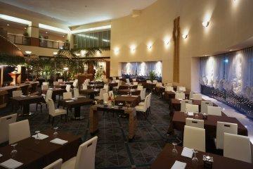<p>Prashanti restaurant inside Hotel Pearl City Kobe</p>