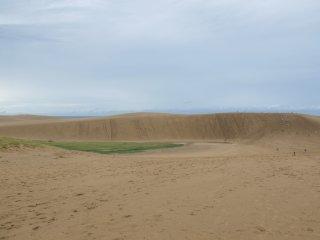 Bukit pasir Tottori dari kejauhan