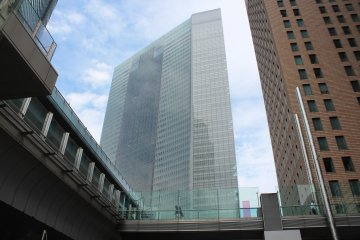 <p>The incredible Dentsu building where the museum is based</p>