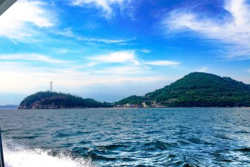 The fast ferry is very stable, but if you are prone to seasickness, go to the outside deck, or take one of the slower car ferries, for example, from Takamatsu to Shodoshima, from which you can meet a connecting ferry to Teshima