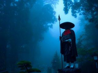 Durante a época das chuvas, é frequente sermos envolvidos pelo nevoeiro
