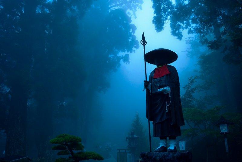<p>The temple is often in mist during rainy season</p>