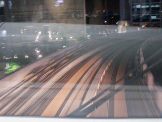 유리카모메 맨 앞좌석에 타면 이렇게 전철이 가는 길을 볼 수 있다!