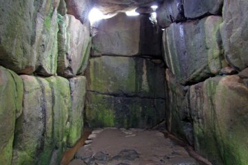<p>The Ishibutai&#39;s burial chamber</p>