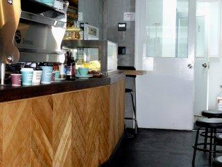 Кафе на Кагуразаке небольшое и находиться в полуподвале