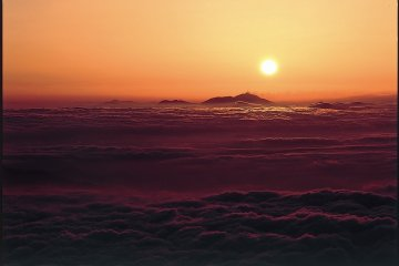<p>Sunrise as seen from Mt. Norikura</p>