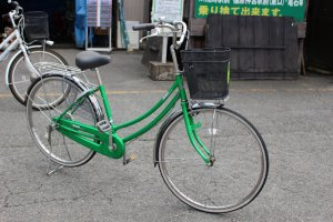 Regular bike (they're all green) ¥900/day weekdays, ¥1,000/day weekends