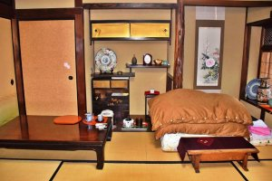 Guests sleep in the Japanese-style: on comfortable futon bedding, which is laid out on the tatami matting.