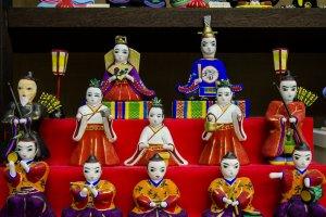 Boneka figur tradisional dari berbagai prefektur di Jepang