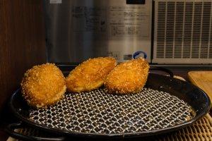 Chicken Curry Bun yang lezat itu...