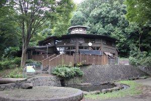 Бревенчатый дом для детей Kamoike Land